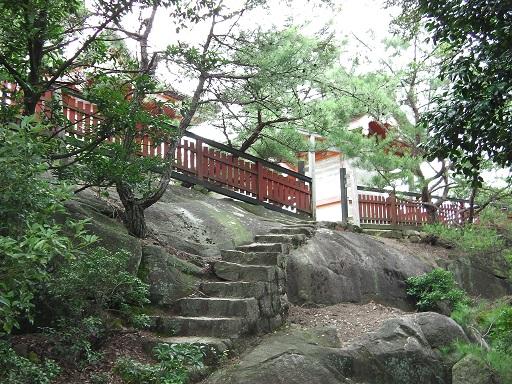 御山神社の周りの柵