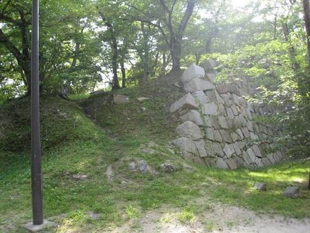福島正則が破却した石垣