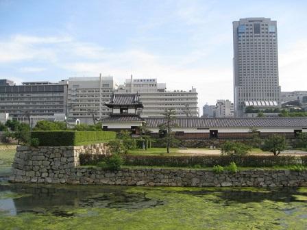 広島城二の丸の内側
